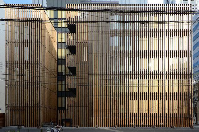 日本圧着端子製造 本社ビル 写真...